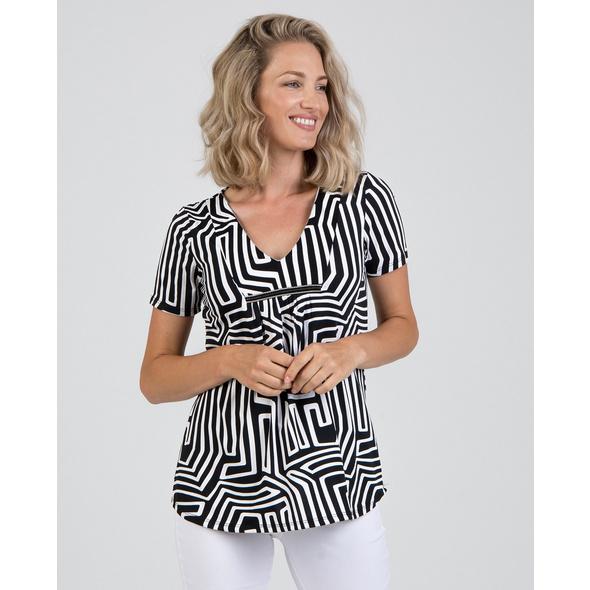 Shirt mit femininem Ausschnitt in Schwarz